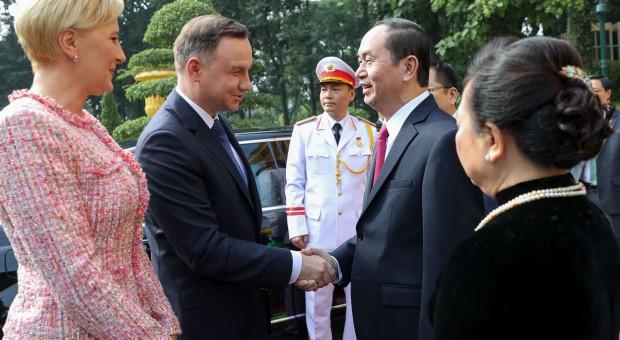 Ponad miliard złotych pożyczki dla Wietnamu. Zarobią polskie firmy, na razie Adamed