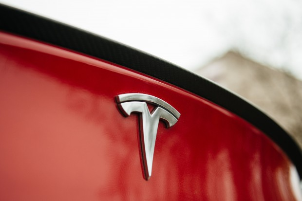Tesla Model 3 ma mieć zasięg blisko 500 km
