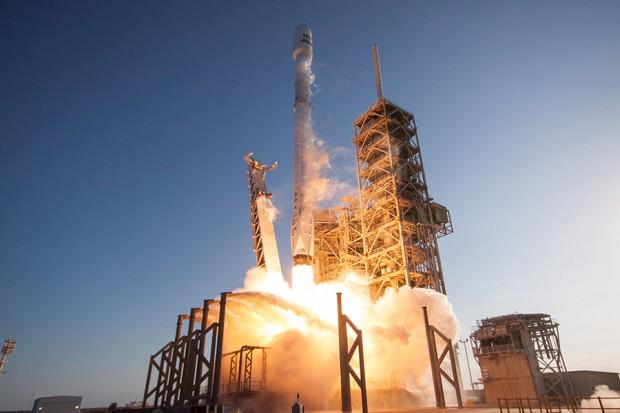 SpaceX zwolni kilkuset pracowników. Spółka zapewnia jednak, że nie ma kłopotów finansowych