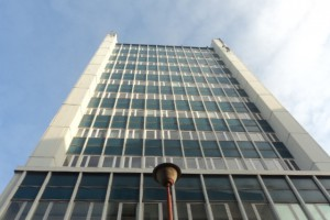 Polimex-Mostostal chce sprzedać biurowiec z kasynem
