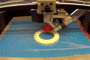 Zobacz, jak działa superszybka drukarka 3D. Deklasuje konkurencję