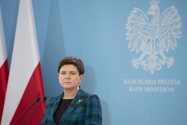 Rekonstrukcja rządu: zmiana premiera związana z ryzykiem