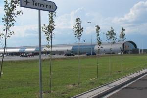 Lotnisko w Modlinie pozywa budowlańców na ponad 81 mln zł