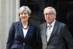 Brexit coraz bliżej. Theresa May doszła do porozumienia z Komisją Europejską