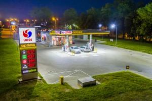 Coraz więcej wielodzietnych rodzin oszczędza na zakupach paliw