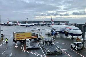 Towarowe korki na wielkich lotniskach. Kto straci? Kto skorzysta?