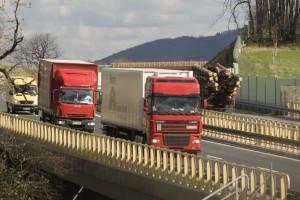 Coraz mniej nowych ciężarówek