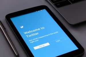Rezygnuje dyrektor Twittera, inwestorzy reagują natychmiast