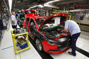 Opel chce dalej zmniejszać zatrudnienie