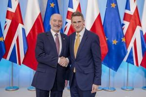 Brytyjski minister wracał z Polski tanimi liniami z Modlina
