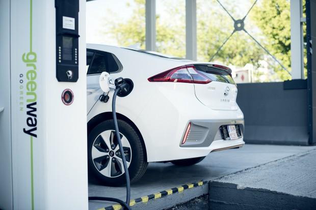 Prezes Greenway: Projekt ustawy o elektromobilności tworzy zbędne bariery techniczne