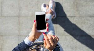 Zakupy przez smartfona dotyczą coraz większej liczby Polaków
