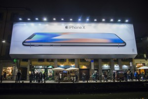 """Chińczycy nie kupią starszych modeli iPhone'ów. """"Desperacki ruch"""""""