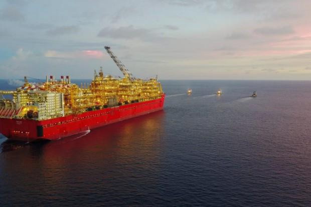 Największa w historii jednostka pływająca zacumowała u brzegów Australii