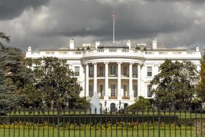 Zakaz używania prywatnych telefonów komórkowych w Białym Domu