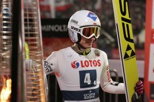 Kamil Stoch wygrywa bezapelacyjnie Turniej Czterech Skoczni. Swoje 5 minut mają także sponsorzy