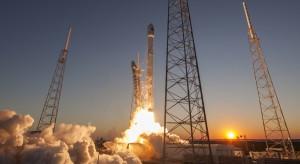 Start polskiego satelity łapie opóźnienie przez firmę Elona Muska