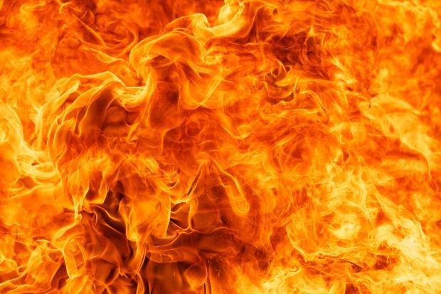 Pożar w fabryce chemikaliów. Są ofiary śmiertelne