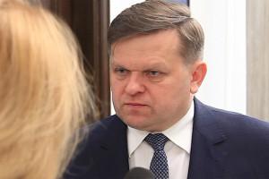 """Poseł PiS o rekonstrukcji rządu: Teraz gospodarka """"ruszy z kopyta"""""""