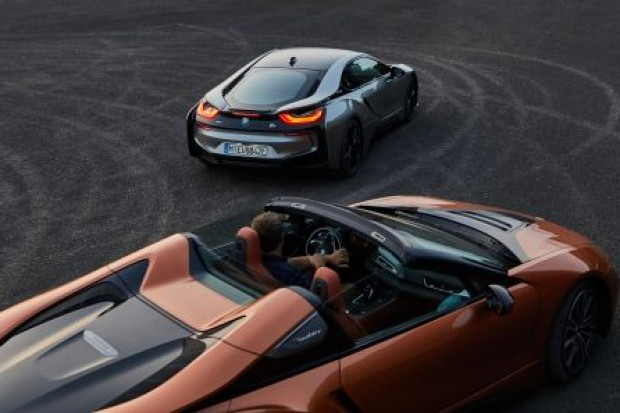 BMW i8 roadster i coupe.