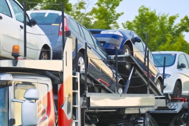 Import używanych samochodów osobowych jest coraz większy