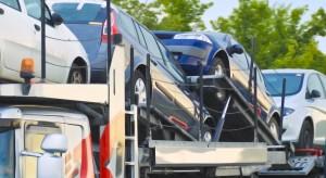 Do Polski napływa coraz więcej samochodów używanych