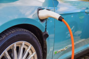 BP inwestuje miliony w szybkie ładowanie samochodów