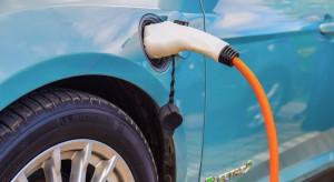 Elektromobilność pozbawi ludzi pracy. Producenci samochodów biją na alarm