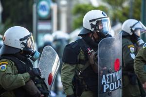 Grecja uchwaliła reformy, mimo gwałtownych protestów