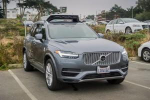 Samochody autonomiczne będą nas wozić już za rok?