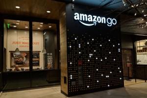 Amazon otwiera sklep bez kas i bez kolejek