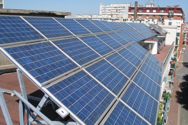 """Europa znosi ograniczenia dla paneli słonecznych z Chin. """"To nieodpowiedzialne"""""""