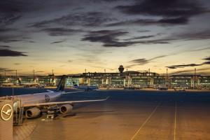 Odwołane loty, gigantyczne opóźnienia na lotniskach. Gorąca wiosna dla przewoźników
