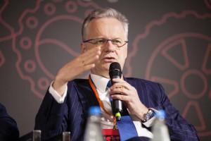 Prezes największej polskiej firmy IT bez ogródek: fascynujemy się hasłami, na które jesteśmy za biedni