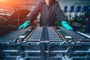 Unia Europejska wyda ogromne pieniądze na fabryki baterii elektrycznych