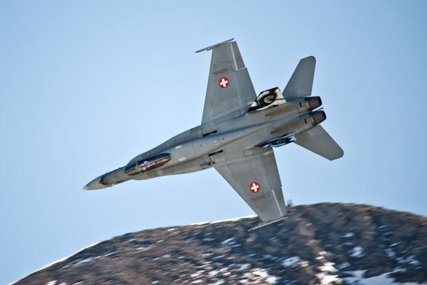 Wstrzymano loty szwajcarskich myśliwców F/A-18 po wykryciu usterek