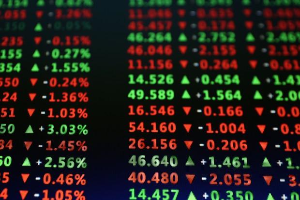 Główne indeksy giełdowe powróciły do spadków