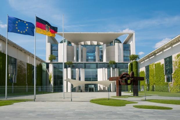 Propozycje Merkel w sprawie strefy euro to krok w stronę Francji