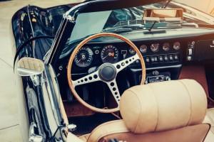 Wypożyczali luksusowe samochody, by sprzedawać je w częściach