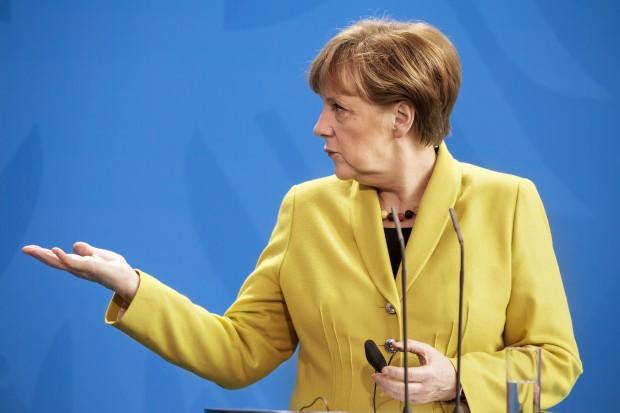 Angela Merkel dołącza do Macrona ws. europejskiej współpracy obronnej