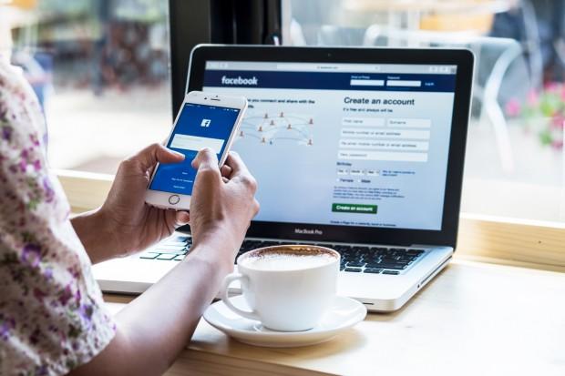 Facebook wspólnie z Apple testuje nowe rozwiązania płatności za treści
