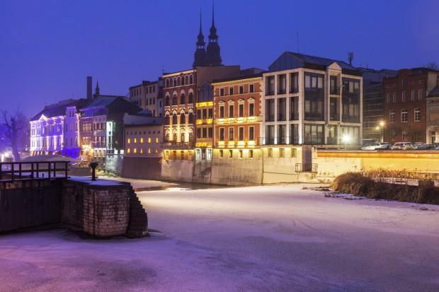 Opole chce nowoczesną technologią i darmową komunikacją walczyć ze smogiem