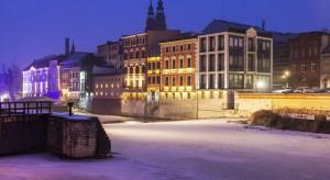 Darmowe przejazdy, drony śledzące trucicieli - zobacz jak jeszcze Opole chce walczyć ze smogiem