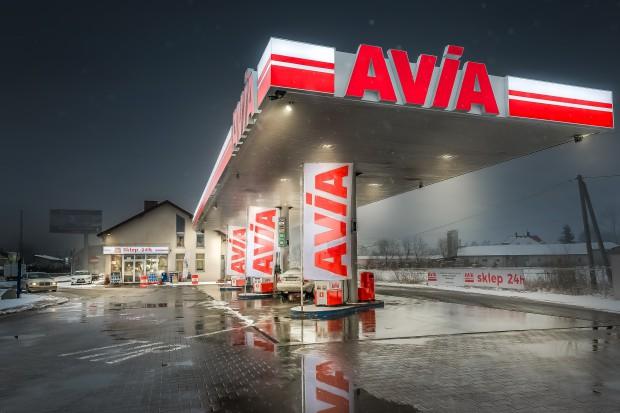 Sieć stacji Avia dobija dwudziestki