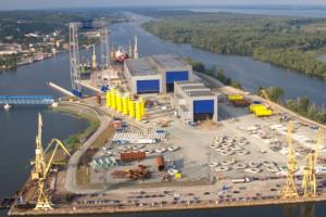 Fundamenty jednej z największych farm energetycznych z polskiej stoczni