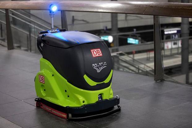 Dworzec Berlin Główny będzie czyścił robot