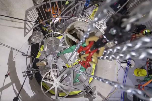 Jeff Bezos buduje zegar na... 10 tys. lat za 42 mln dolarów