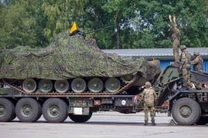 Niemcy muszą zrobić zbiórkę sprzętu wojskowego na szpicę NATO
