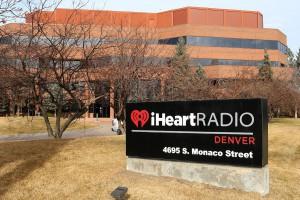 Największy amerykański nadawca radiowy na krawędzi bankructwa