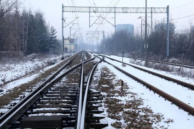Mateusz Morawiecki: w ciągu 10-12 lat na inwestycje kolejowe przeznaczymy 100 mld zł